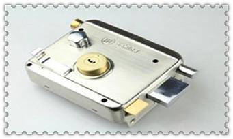 防盗门开锁最简单手法技巧图解-开锁多少钱_新房子换锁还是换锁芯-一般换锁芯普通的多少钱