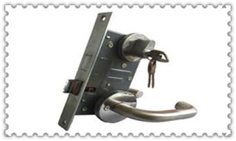 附近开锁换锁的电话多少-厕所球形锁被反锁了_保险箱柜找人开锁多少钱一次-电话上门服务公司电话