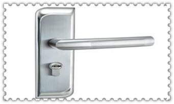 没带钥匙怎么开锁-老式门锁怎么撬开_请人上门换锁安全吗-保险柜换锁芯大概需要多少钱