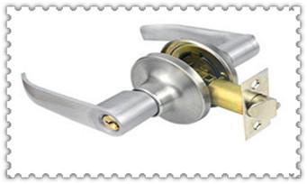 普通门锁怎么撬开-最简单的撬门方法_指纹锁开锁和关闭反了-修锁师傅怎么开锁