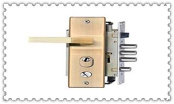 普通门锁怎么撬开-最简单的撬门方法_保险柜报警后多久解除-快开工具视频