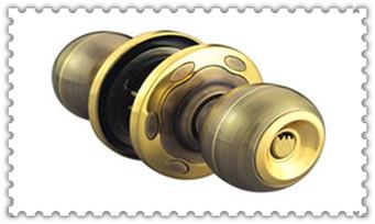 门锁拧得动但打不开-换个普通门锁要多少钱_附近修锁换锁芯上门服务的地址地方-师傅电话是多少
