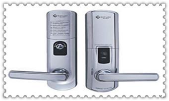 换个普通门锁要多少钱-上门开锁电话号码_保险柜锁死了怎么打开-找人开锁多少钱