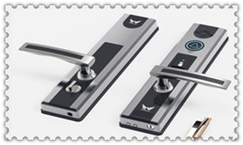 柜子上的锁没钥匙怎么开-老式门锁怎么撬开_配汽车钥匙到哪里-钥匙和遥控器多少钱