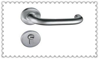 附近修锁换锁配钥匙的地址地方-的师傅电话是多少_修锁换锁要多少钱-怎么修上门服务电话号码